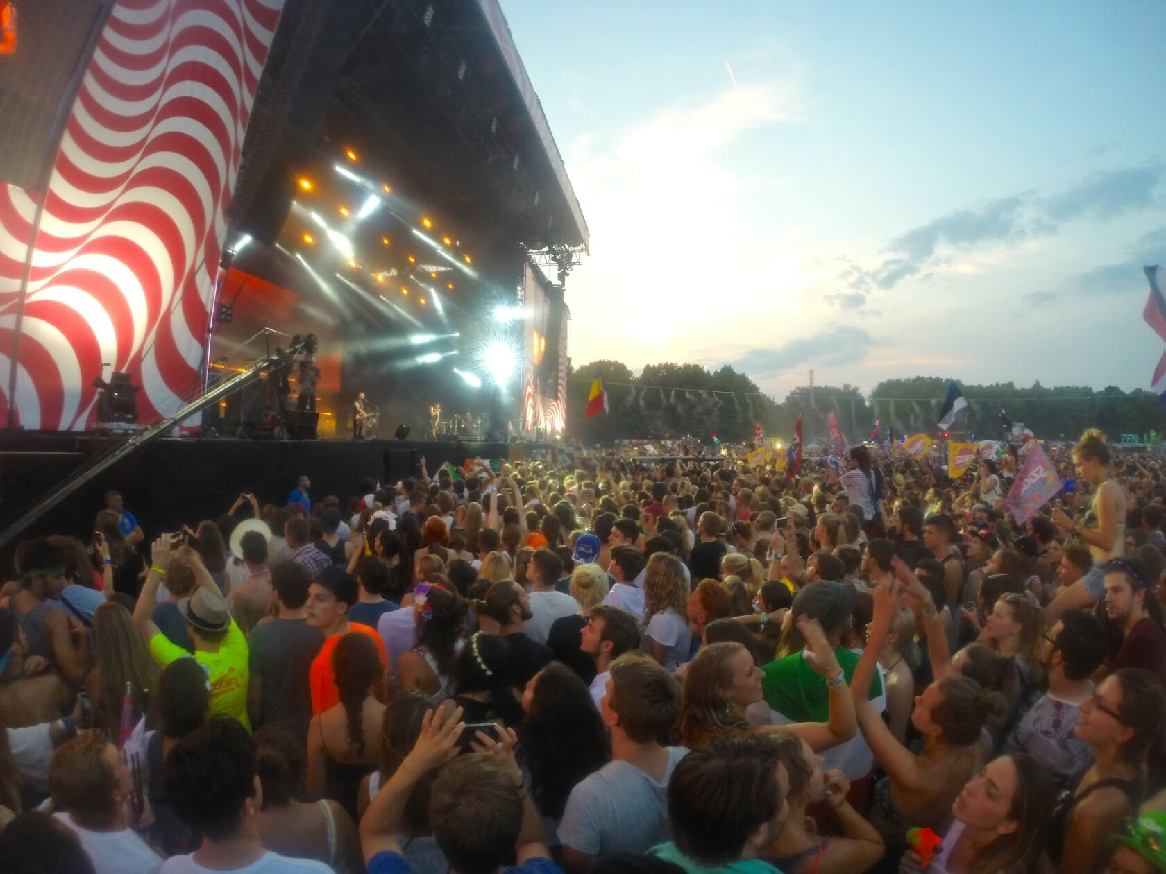 sziget review + festival guide for sziget festival in budapest august main stage