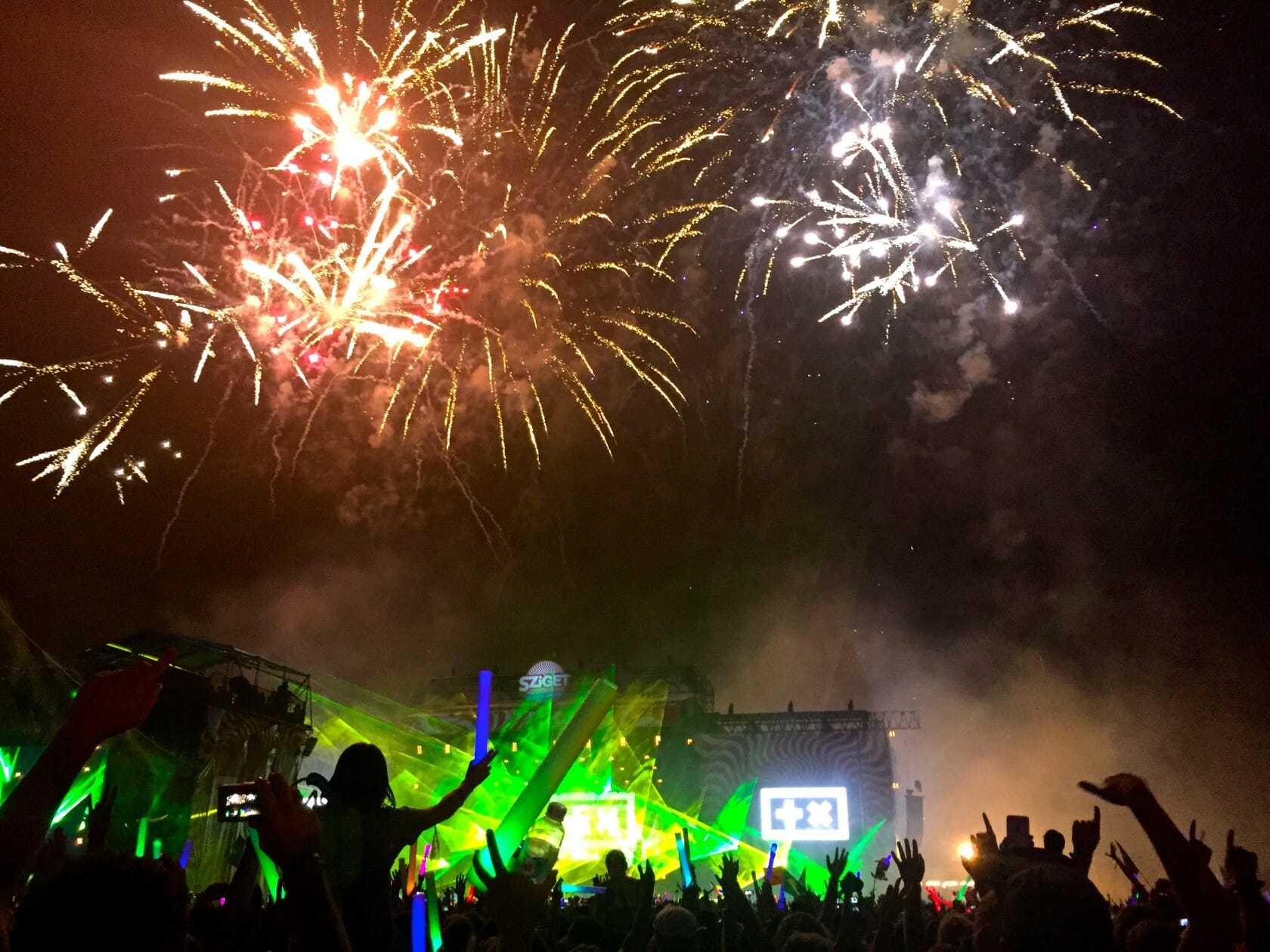 sziget review + festival guide for sziget festival in budapest august main stage sziget guide