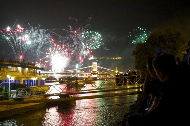 hungarian festival budapest independence day fireworks danube