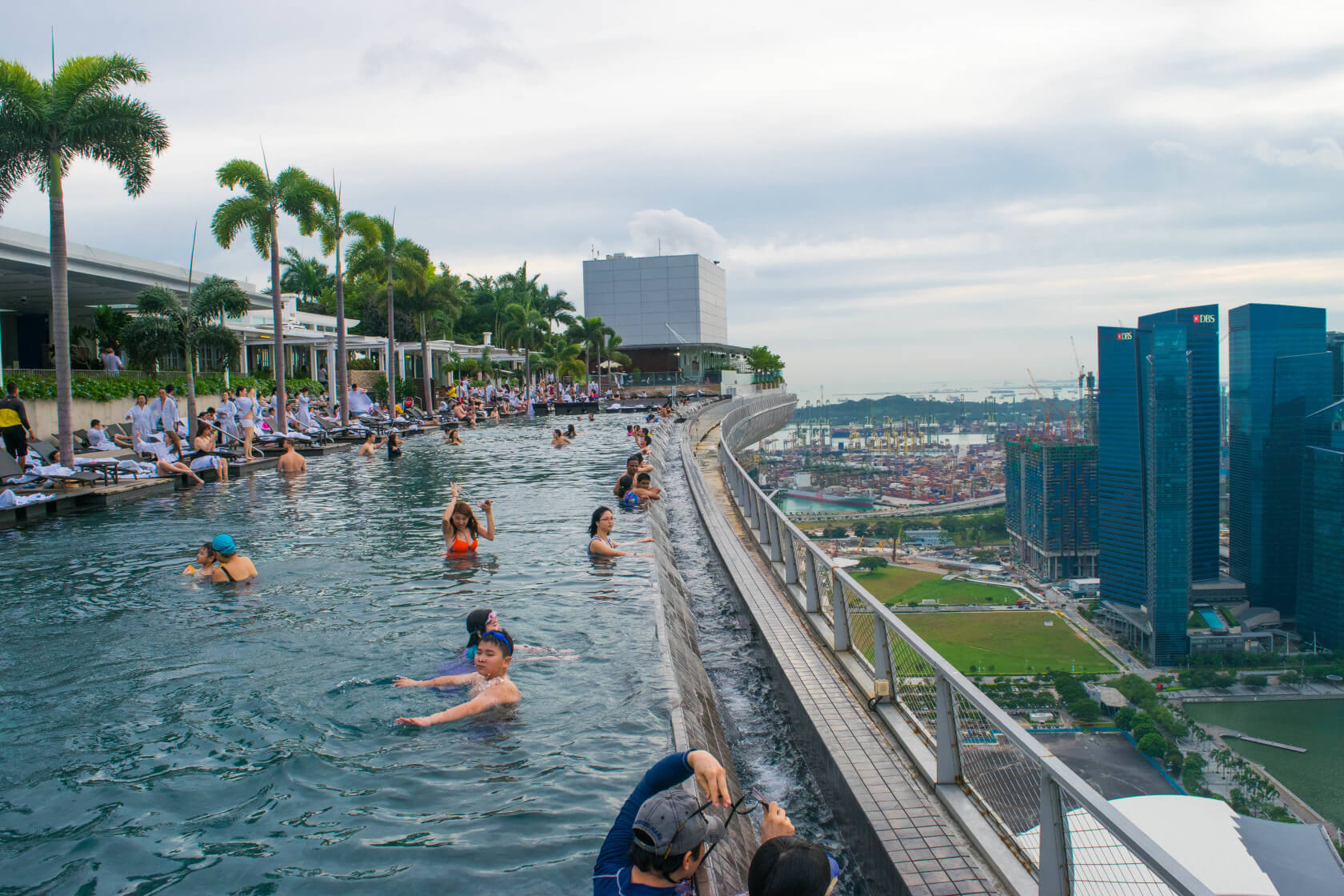 How i snuck into the marina bay sands infinity pool in - Hotel with swimming pool on roof singapore ...