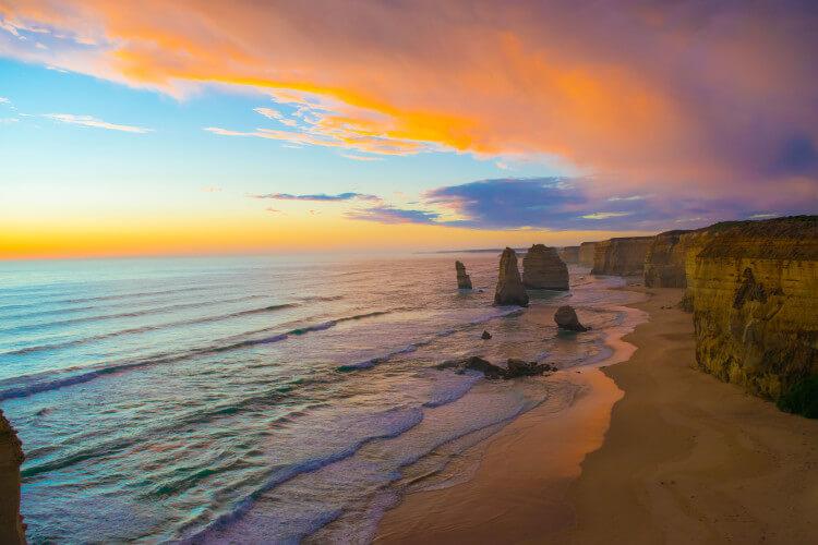 great ocean road twelve apostles sunset
