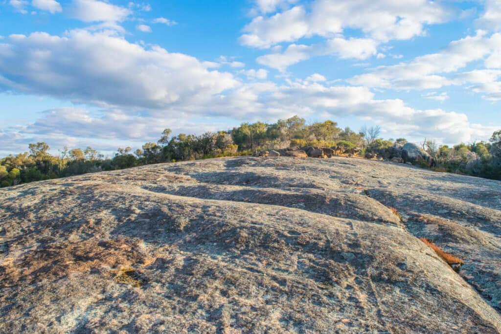 nepowie rock white rock thompson rock