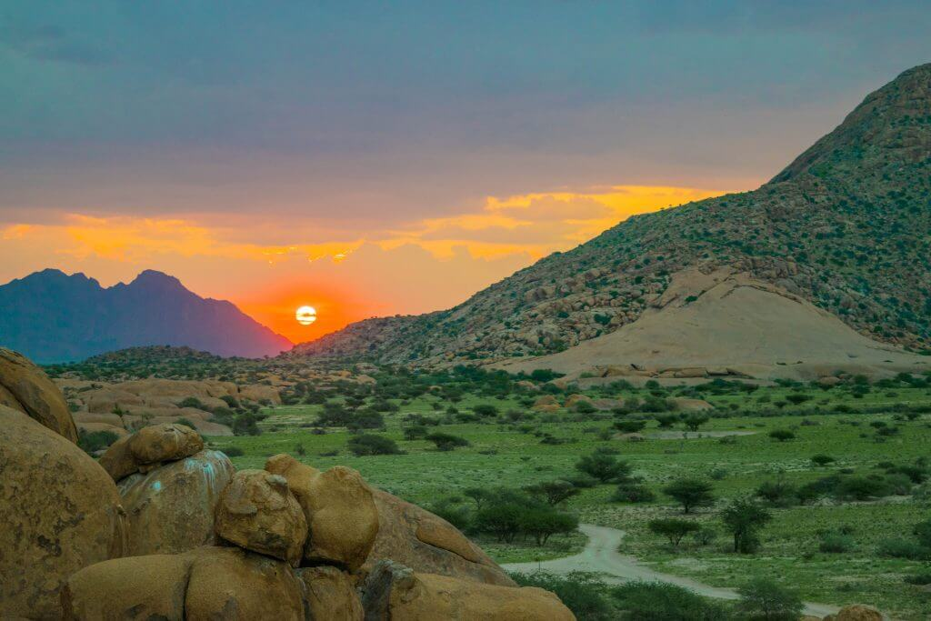 namibian road trip spitzkoppe sunset africa