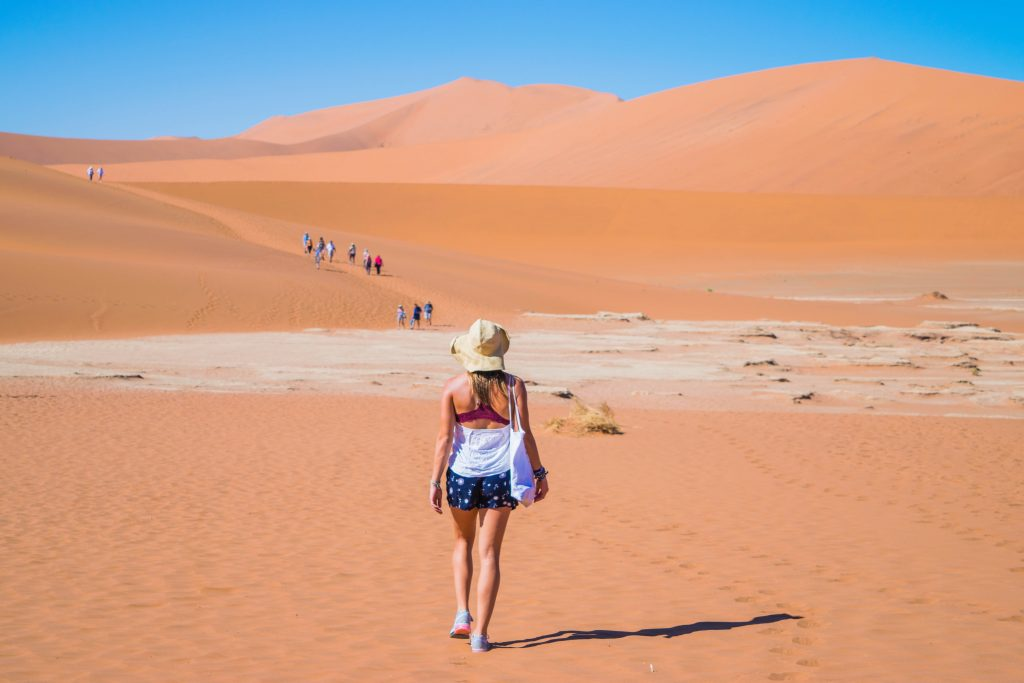 namibia sossusvlei desert solo travel country counting is bad