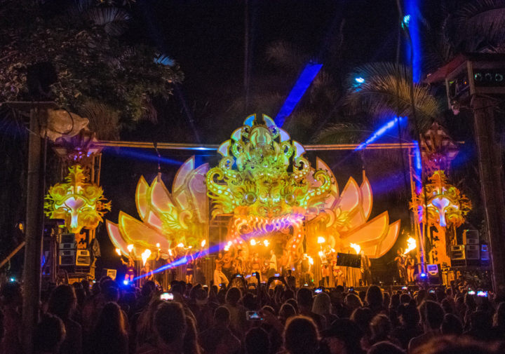 Envision Festival Guide Review Luna Stage