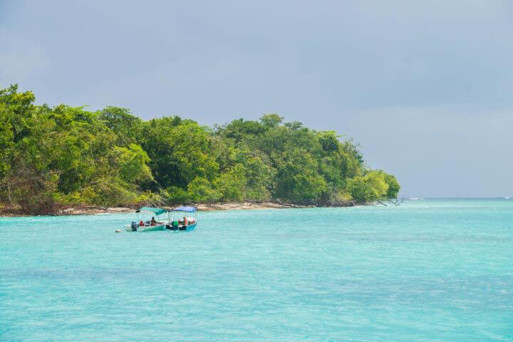 cayos zapatilla sailing in panama