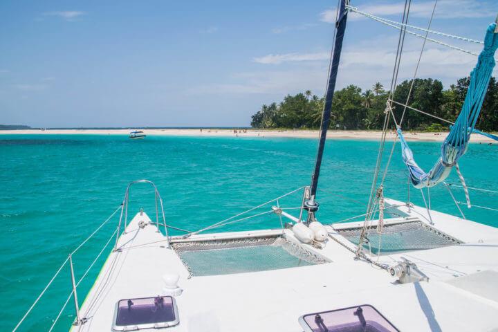 sailing in panama cayos zapatilla
