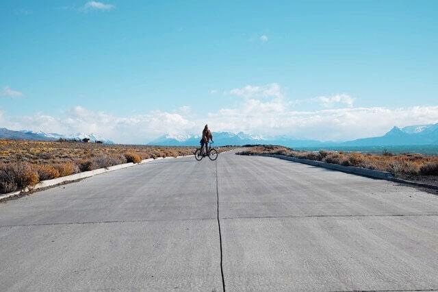 El Calafate Day Trips : riding bikes around lago argentino