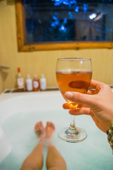 accomodation puerto iguazu bath wine