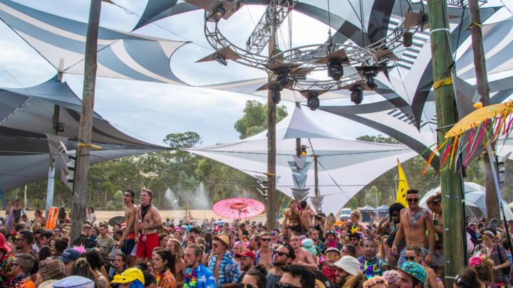 babylon festival crowd