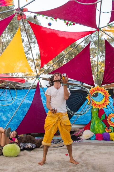 juggling Babylon festival