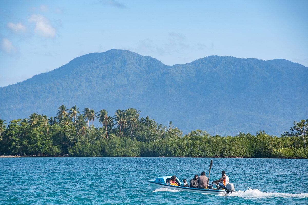 roviana lagoon fisherman munda solomon islands tourism